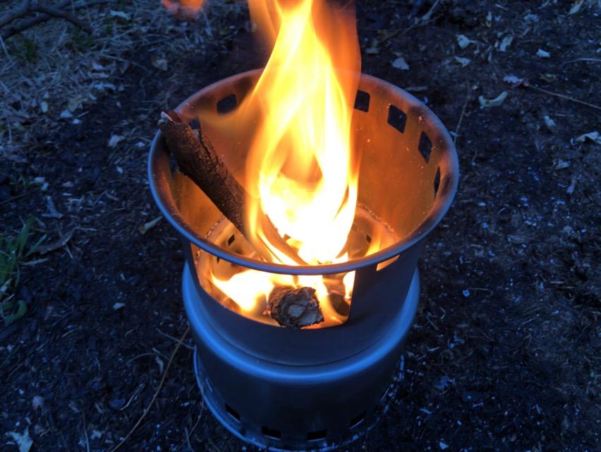 ミニコンロで焚き火