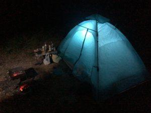 人生初のテント設置