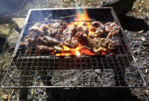 ソロキャンプでの焼肉は至福