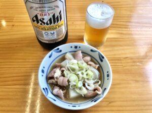 瓶ビールともつ煮