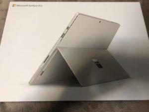 SurfacePro6のパッケージ
