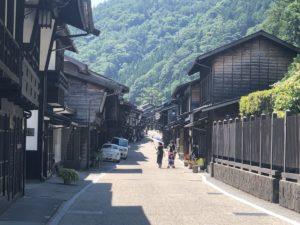 奈良井宿の入口付近