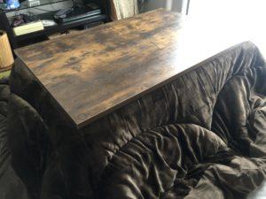我が家のリビングに置かれたニトリのこたつテーブル