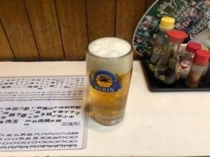 生ビールでちびちびと