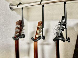 吊り下げ型ギターハンガーが優秀すぎる話〜壁に穴を開けずクローゼットに収納可〜